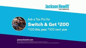 Jackson Hewitt TV Spot, 'Car Wall of More' - Thumbnail 8