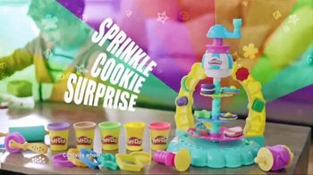 Play-Doh Sprinkle Cookie Surprise Playset  TV Spot, 'Crazy Cookies' - Thumbnail 3