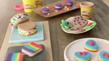 Play-Doh Sprinkle Cookie Surprise Playset  TV Spot, 'Crazy Cookies' - Thumbnail 4