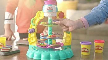 Play-Doh Sprinkle Cookie Surprise Playset  TV Spot, 'Crazy Cookies' - Thumbnail 6