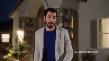 ADT TV Spot, 'All These Things Combined' Featuring Jonathan & Drew Scott - Thumbnail 7