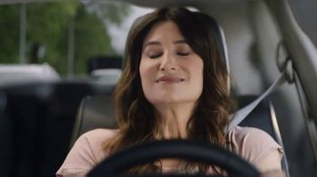 2018 Chrysler Pacifica Hybrid TV Spot, 'Shallow Thoughts' Ft. Kathryn Hahn [T1]