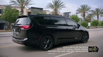 2018 Chrysler Pacifica Hybrid TV Spot, \'Shallow Thoughts\' Featuring Kathryn Hahn [T1]