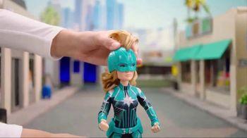 Captain Marvel Dolls & Power Effects Glove TV Spot, 'Soar Among the Stars' - Thumbnail 4