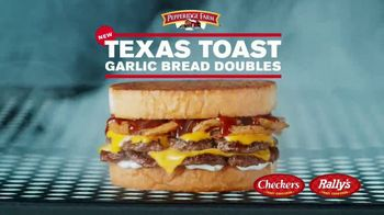 Checkers & Rally's Texas Toast Garlic Bread Doubles TV Spot, 'Four Greatest Words Ever' - Thumbnail 3