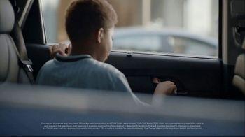 2019 Hyundai Santa Fe TV Spot, 'Safe Exit Assist' [T2] - Thumbnail 2