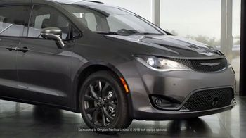 2019 Chrysler Pacifica TV Spot, 'Tough Decision: Talking Van' [Spanish] [T1] - Thumbnail 2