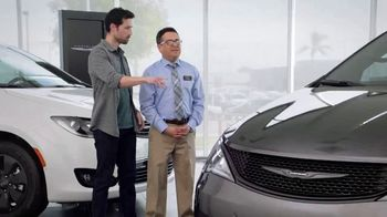 2019 Chrysler Pacifica TV Spot, 'Tough Decision: Talking Van' [Spanish] [T1]