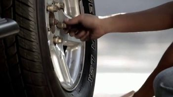 O'Reilly Auto Parts TV Spot, 'Las tradiciones' [Spanish] - Thumbnail 10