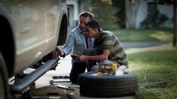O'Reilly Auto Parts TV Spot, 'Las tradiciones' [Spanish] - Thumbnail 9