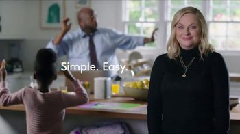 XFINITY xFi TV Spot, 'Like Nobody Is Watching: $29.99' Feat. Amy Poehler, Song by Salt-N-Pepa - Thumbnail 8