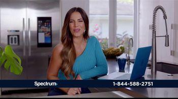 Spectrum Internet TV Spot, 'Así de rápido' con Gaby Espino [Spanish] - Thumbnail 2