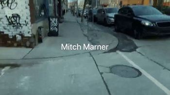 Apple iPhone XS TV Spot, 'Shot on iPhone XS: Mitch Marner Shot by Auston Matthews' Song by The Lytics - Thumbnail 2