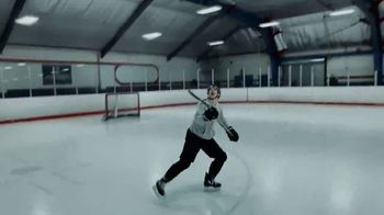 Apple iPhone XS TV Spot, 'Shot on iPhone XS: Mitch Marner Shot by Auston Matthews' Song by The Lytics - Thumbnail 8