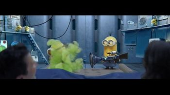 Universal Orlando Resort TV Spot, 'Wake Up: Minions: Stay and Play Package $99' - Thumbnail 5