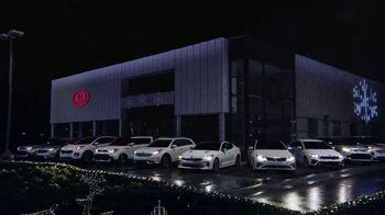 Kia Light Up the Holidays Sales Event TV Spot, ''Tis the Season: Holiday Light Show' [T2] - Thumbnail 2