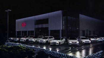 Kia Light Up the Holidays Sales Event TV Spot, ''Tis the Season: Holiday Light Show' [T2] - Thumbnail 3