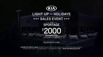 Kia Light Up the Holidays Sales Event TV Spot, ''Tis the Season: Holiday Light Show' [T2] - Thumbnail 6