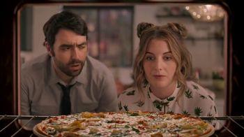 Papa Murphy's Chicken Bacon Artichoke Pizza TV Spot, 'Out on the Town' - Thumbnail 4