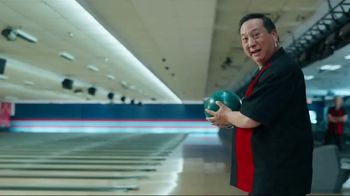 GEICO TV Spot, \'Bowling Alley\'
