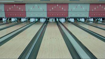GEICO TV Spot, 'Bowling Alley' - Thumbnail 3