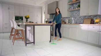 Swiffer Heavy Duty TV Spot, 'Amanda's Cleaning Confession' - Thumbnail 10