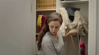 Swiffer Heavy Duty TV Spot, 'Amanda's Cleaning Confession' - Thumbnail 5