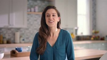 Swiffer Heavy Duty TV Spot, 'Amanda's Cleaning Confession' - Thumbnail 9