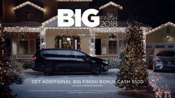 Chrysler Big Finish 2018 TV Spot, 'Dance: Caroling' Featuring Kathryn Hahn [T2] - Thumbnail 8