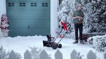 Hyundai Holidays Sales Event TV Spot, 'Lawnmower' [T2] - Thumbnail 6