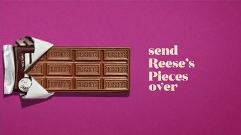 Hershey's Milk Chocolate Bar & Reese's Pieces Candy TV Spot, 'Red Rover' - Thumbnail 4