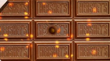Hershey's Milk Chocolate Bar & Reese's Pieces Candy TV Spot, 'Red Rover' - Thumbnail 7