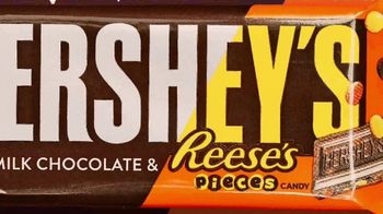 Hershey's Milk Chocolate Bar & Reese's Pieces Candy TV Spot, 'Red Rover' - Thumbnail 8