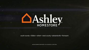 Ashley HomeStore Black Friday Mattress Savings TV Spot, 'Queen Mattresses' - Thumbnail 10