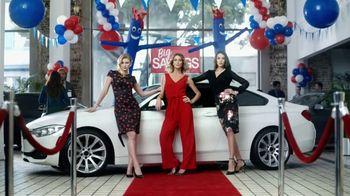 Stein Mart Huge Clearance Event TV Spot, 'Luxurious Looks'