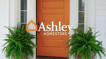 Ashley HomeStore New Year's Sale TV Spot, 'Dining Table and Queen Bed' - Thumbnail 1