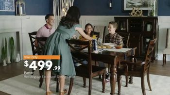 Ashley HomeStore New Year's Sale TV Spot, 'Dining Table and Queen Bed' - Thumbnail 4