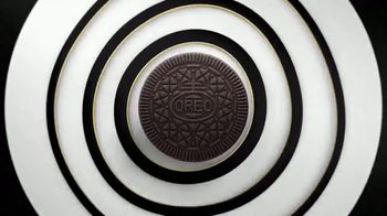 Oreo Thins TV Spot, 'A Thin Twist'