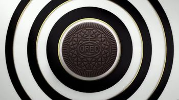 Oreo Thins TV Spot, 'A Thin Twist' - Thumbnail 4