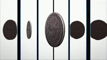 Oreo Thins TV Spot, 'A Thin Twist' - Thumbnail 5
