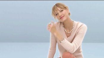 Macy's La Venta Después de Navidad TV Spot, 'Especiales todo el día' [Spanish] - Thumbnail 5