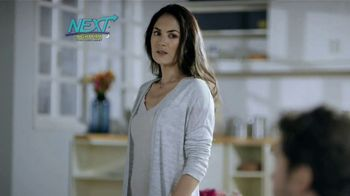 Next Nighttime Cold & Flu Relief TV Spot, 'Sinfonía de gripa' [Spanish] - Thumbnail 5