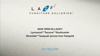 La-Z-Boy Year End Sale TV Spot, '25 Percent' - Thumbnail 10
