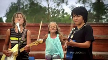 The Foundation for a Better Life TV Spot, 'Get Along' Song by Kenny Chesney - Thumbnail 8