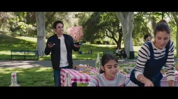 Verizon Unlimited TV Spot, 'Family Sunday: diferentes Unlimited' [Spanish] - Thumbnail 1