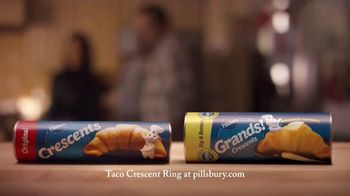 Pillsbury Crescents TV Spot, 'Family Favorites' - Thumbnail 10