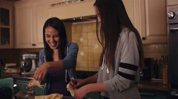 Pillsbury Crescents TV Spot, 'Family Favorites' - Thumbnail 2