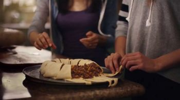 Pillsbury Crescents TV Spot, 'Family Favorites' - Thumbnail 5