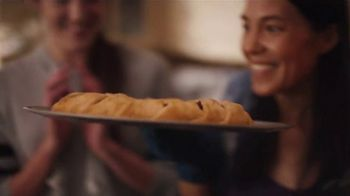 Pillsbury Crescents TV Spot, 'Family Favorites' - Thumbnail 7