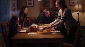 Pillsbury Crescents TV Spot, 'Family Favorites' - Thumbnail 8